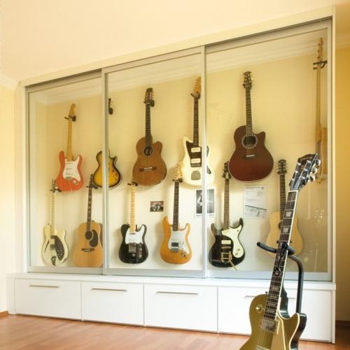 Vitrinekast voor gitaren