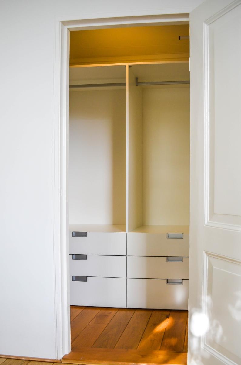 Compacte walk-in-closet