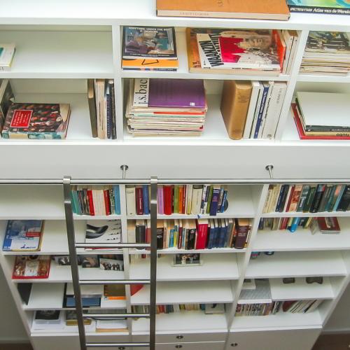 Boekenkast hoog met ladder