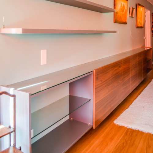 Dressoir met houtkleurige deuren