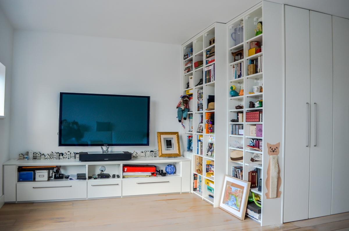 Tv-meubel en boekenkast